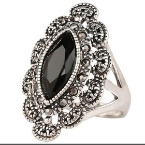 Jewelry - Black and Antique Silver Ring